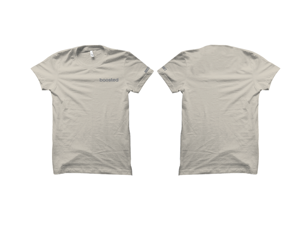 "Image of BOOSTED EMBROIDERY ""LUNDMARK"" T-SHIRT"