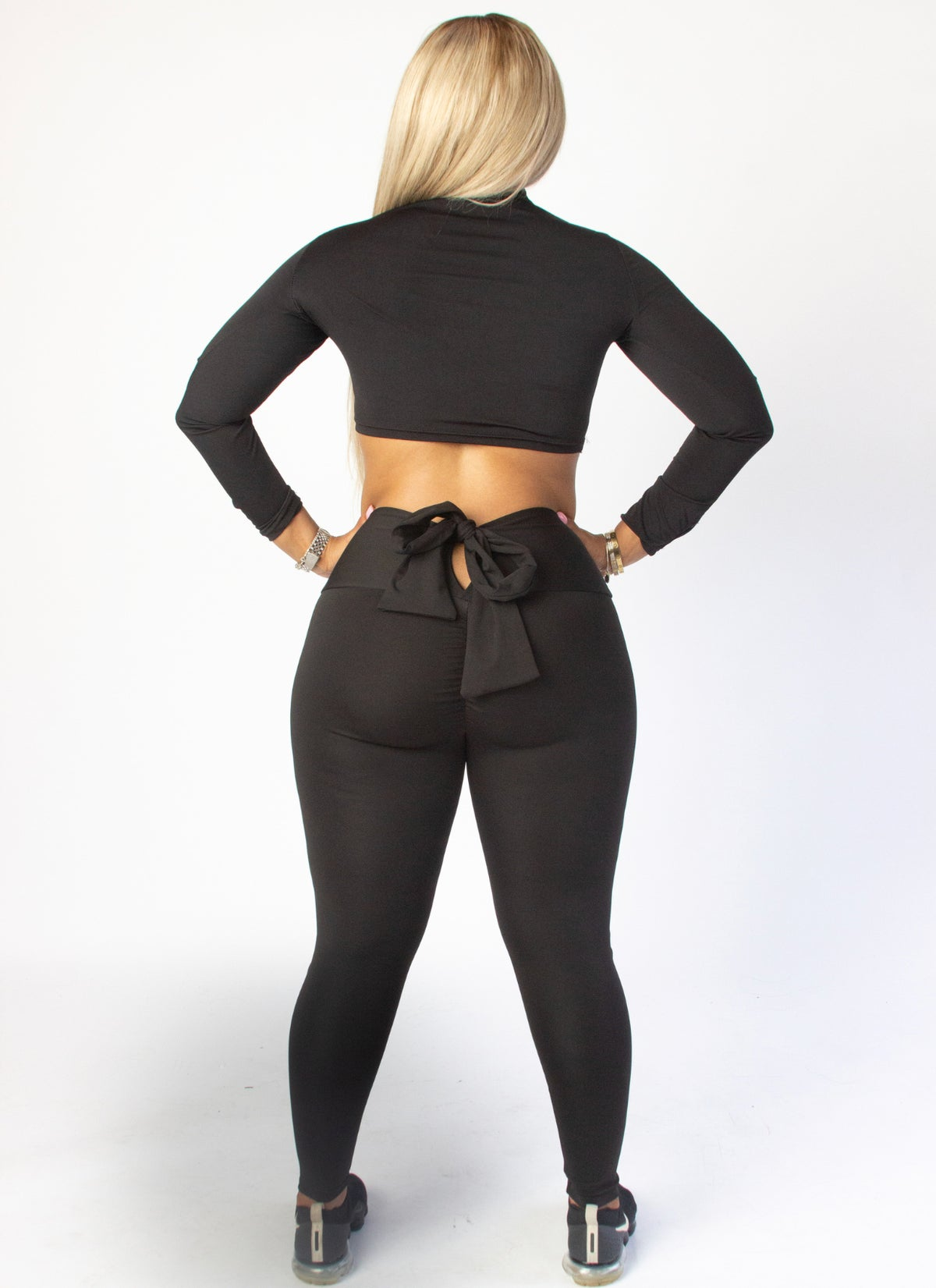 "Image of ""TYING THE KNOT"" LEGGINGS COLOR BLACK"
