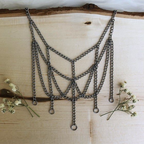 Image of bone-less chandelier choker