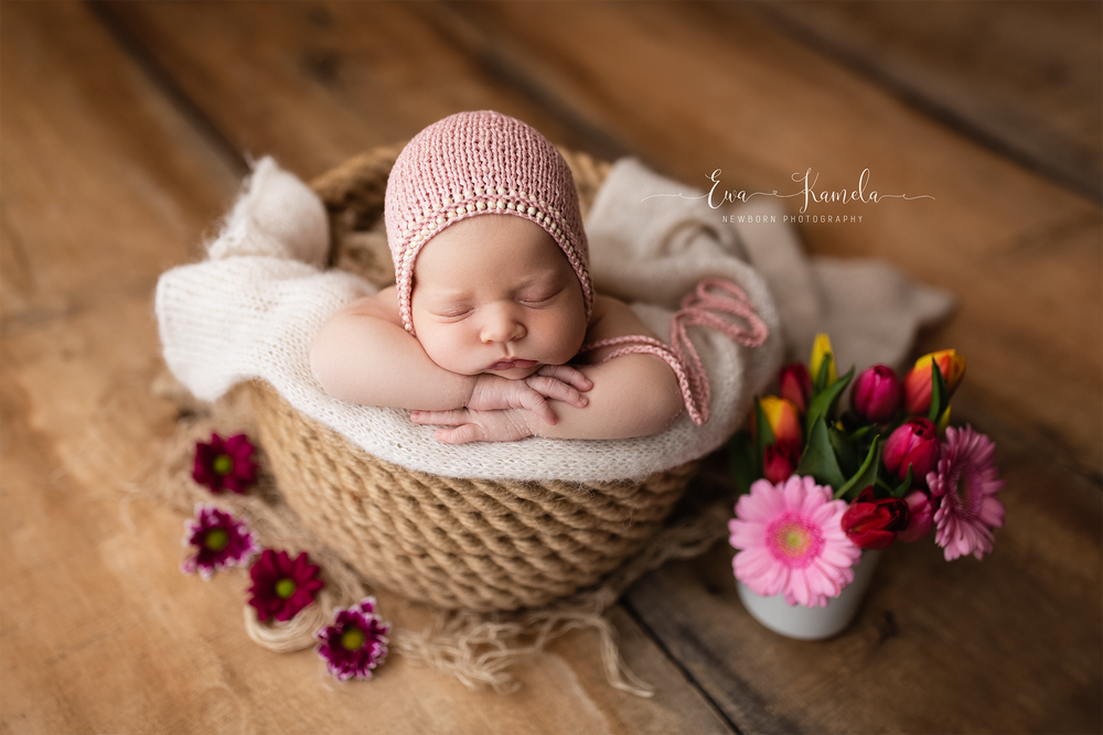 Image of **DEPOSIT ONLY** NEWBORN SESSION