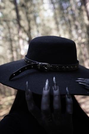 Image of Ravena Hat / Wrist band - Classic
