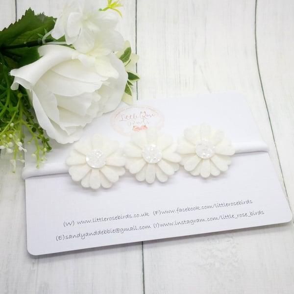 Image of White Daisy
