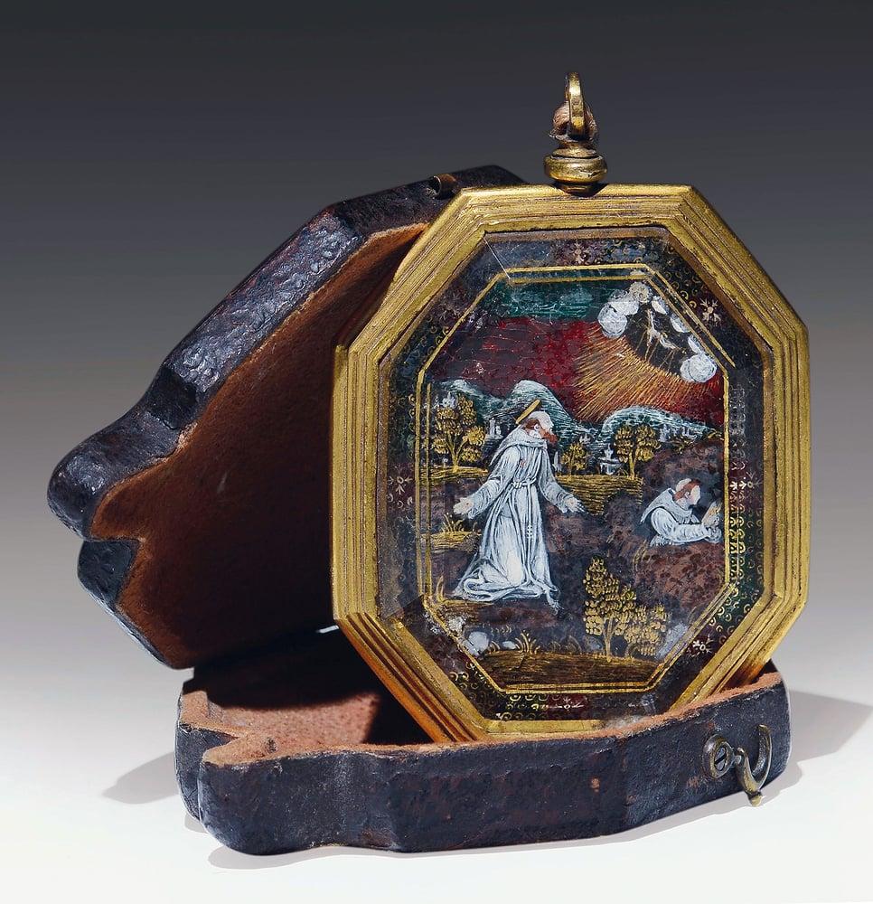 Image of 16th century Verre églomisé devotional pendant depicting St. Francis and St. Claire of Assisi