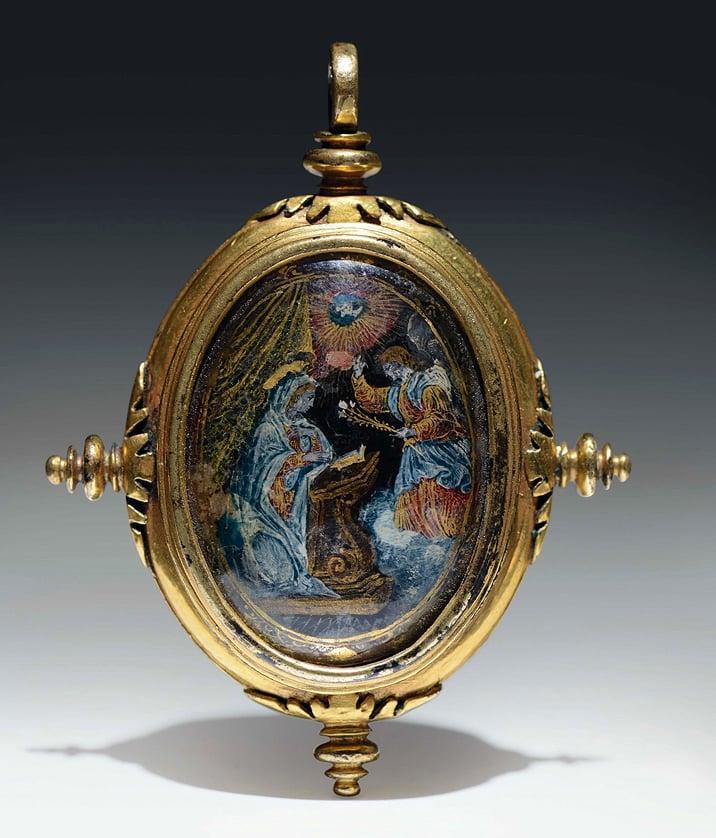 Image of 16th century verre églomisé devotional pendant depicting the Annunciation and a Saint