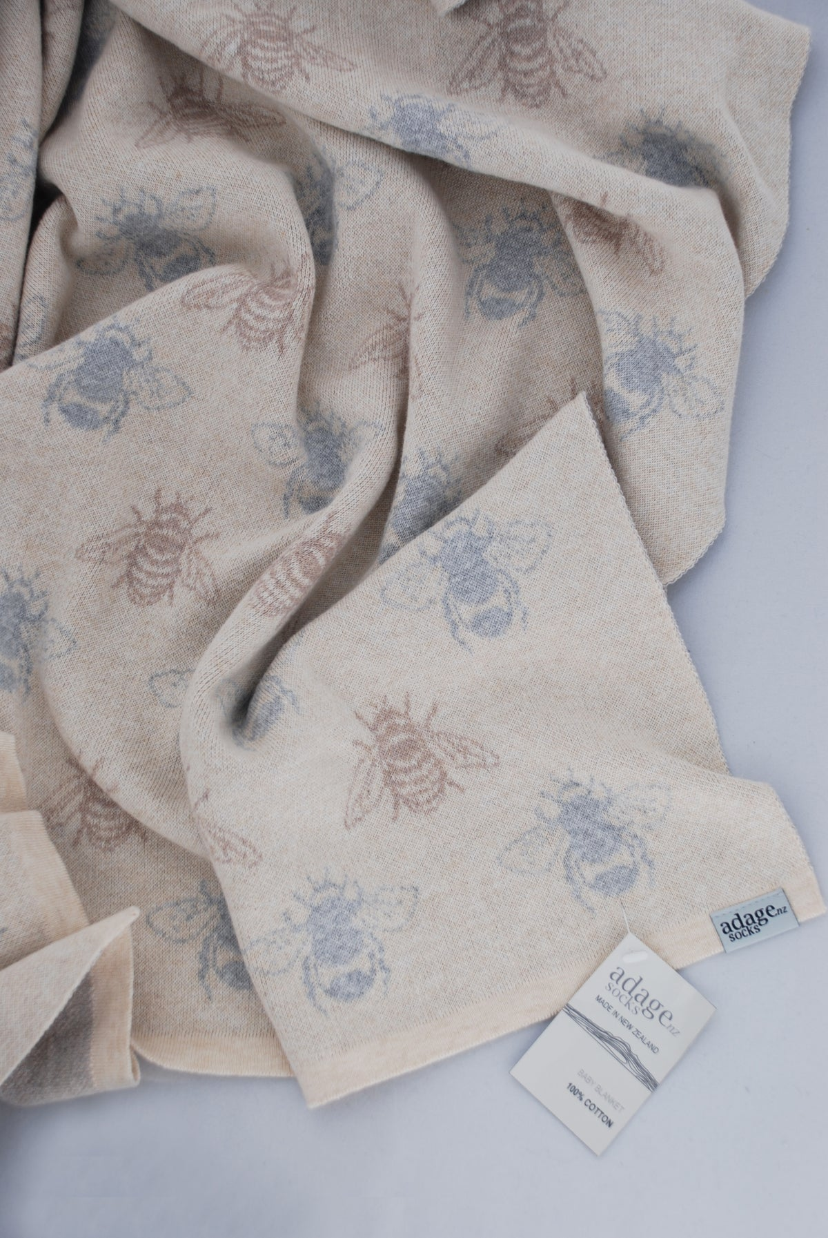 Image of NZ Honey Bee Cot Blanket