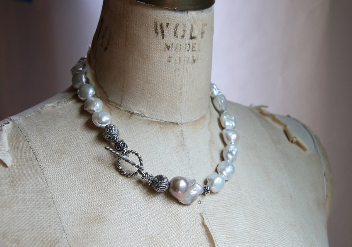 White Meringue Pearls with Pink Baroque Pearl
