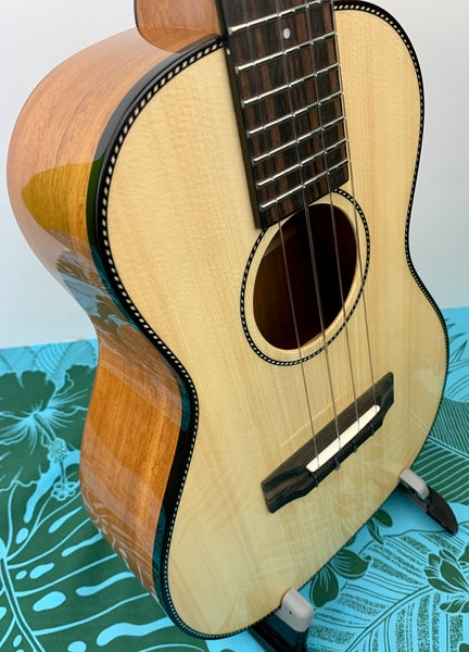 Image of Pono Solid Spruce & Mahogany Tenor (Model MTSH-SP)