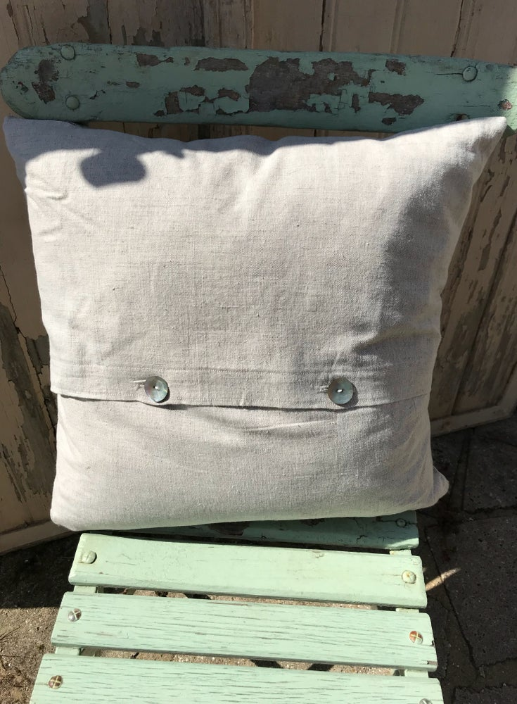 Image of Swallow Cushion