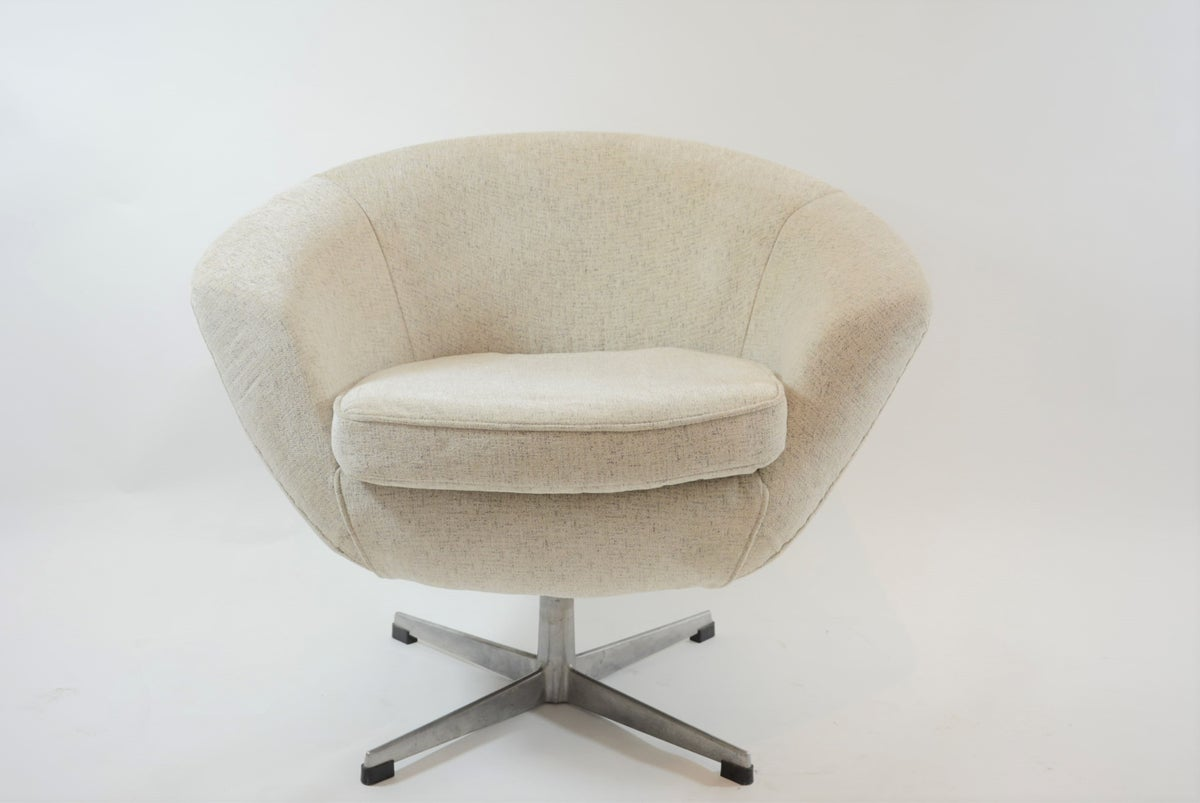 Image of Fauteuil coquille Martini pivotante ivoire