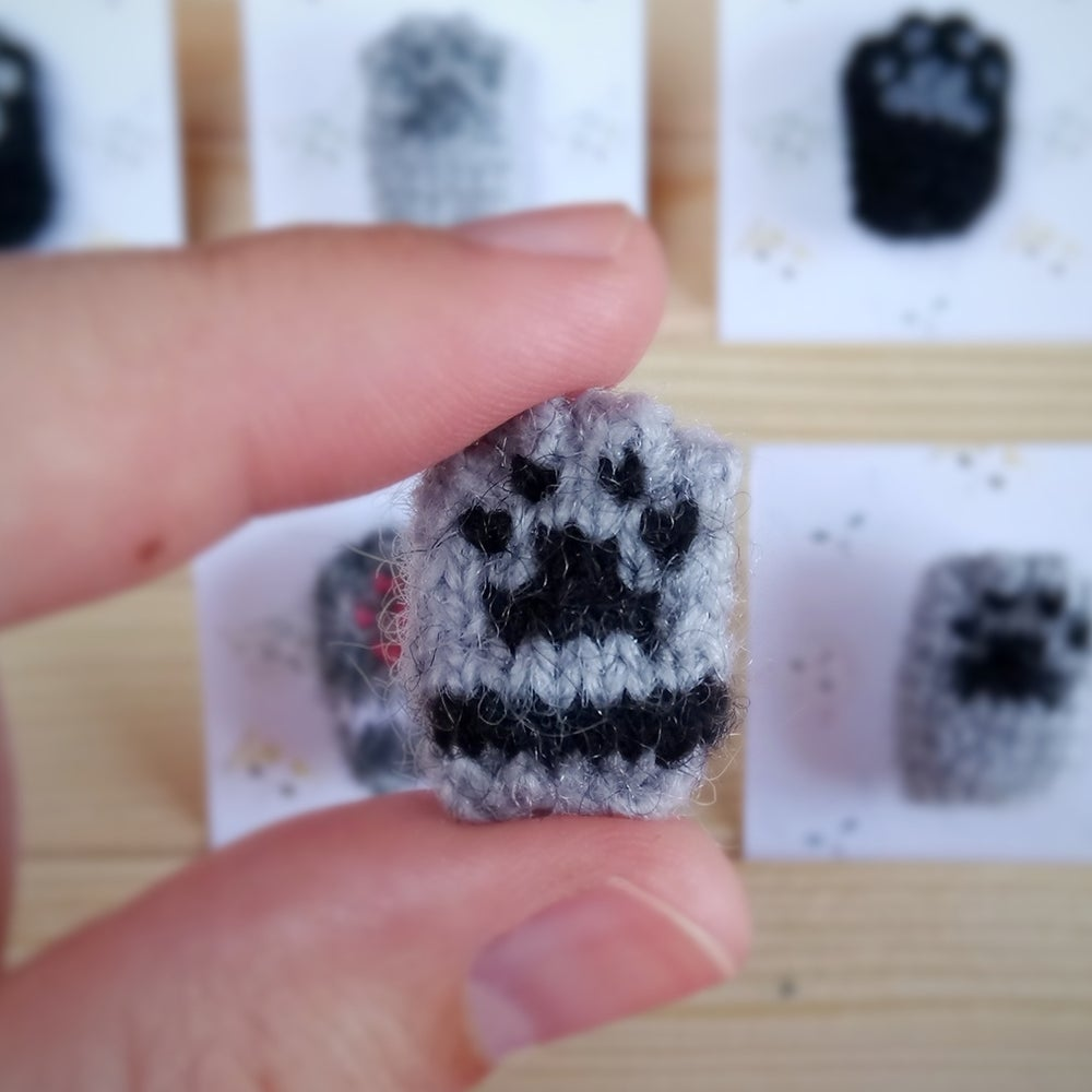 Image of Cat Paw Collar Pin - Cute Gray Black Brooch - Cat Lover Club Collection