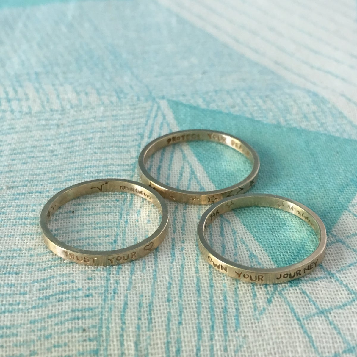 Image of Custom closed 14k gold ring