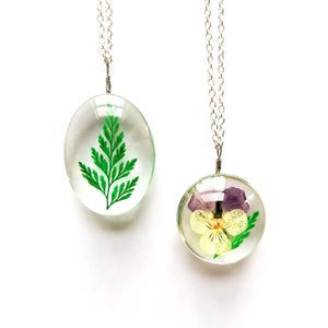 Image of Large Pressed Floral 3D Pendant