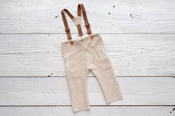Image of Jonas beige / two sizes