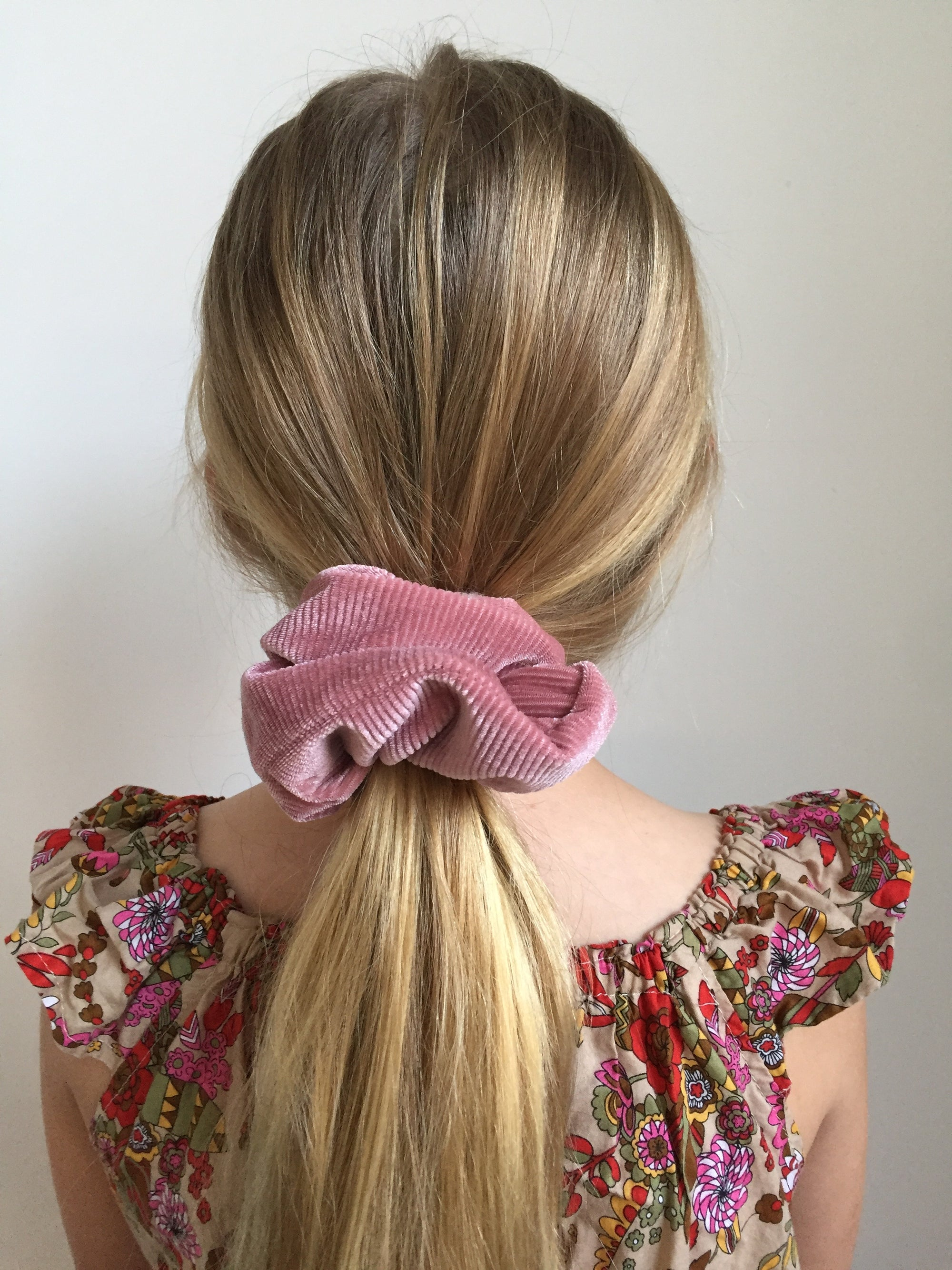 Image of SUNDAY SCRUNCHIES - JUMBO