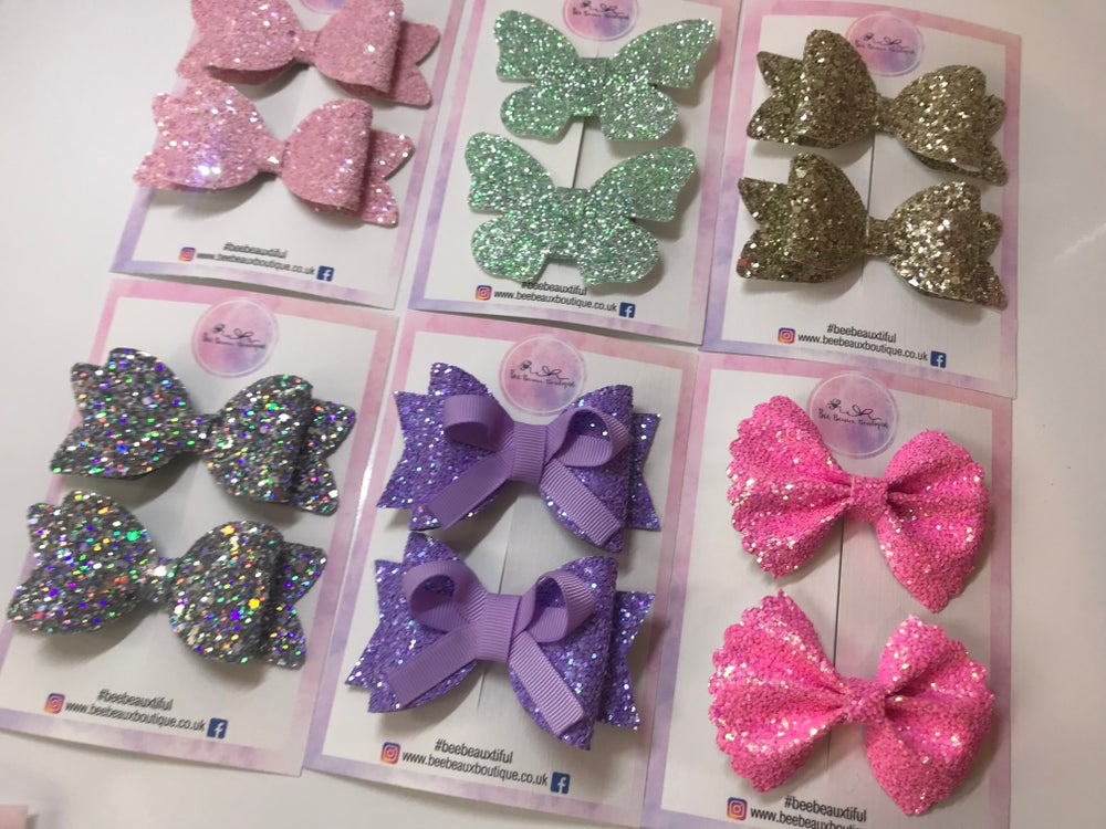 Image of Surprise pigtail bow boxes