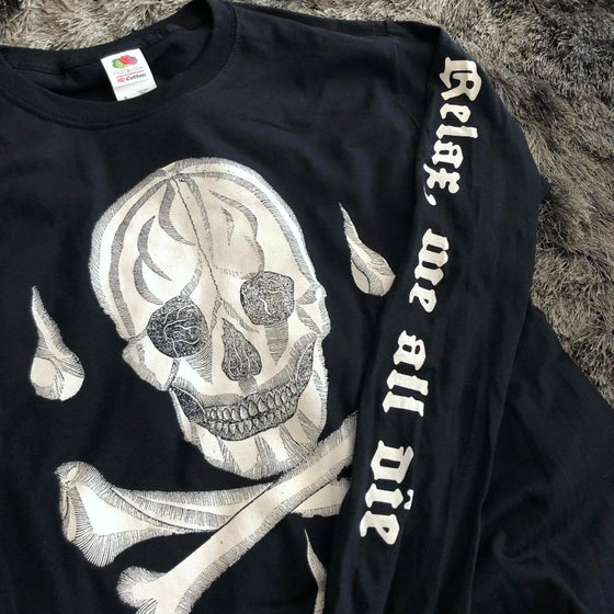 Image of Relax Skull Long Sleeve T-Shirt