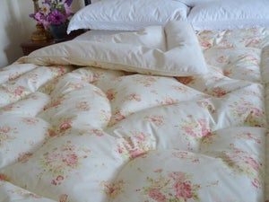 """Image of Pretty Double Vintage Style """"Florence"""" Eiderdown !!"""