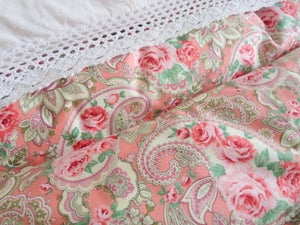 Image of Pretty pink paisley single eiderdown--ready to go!