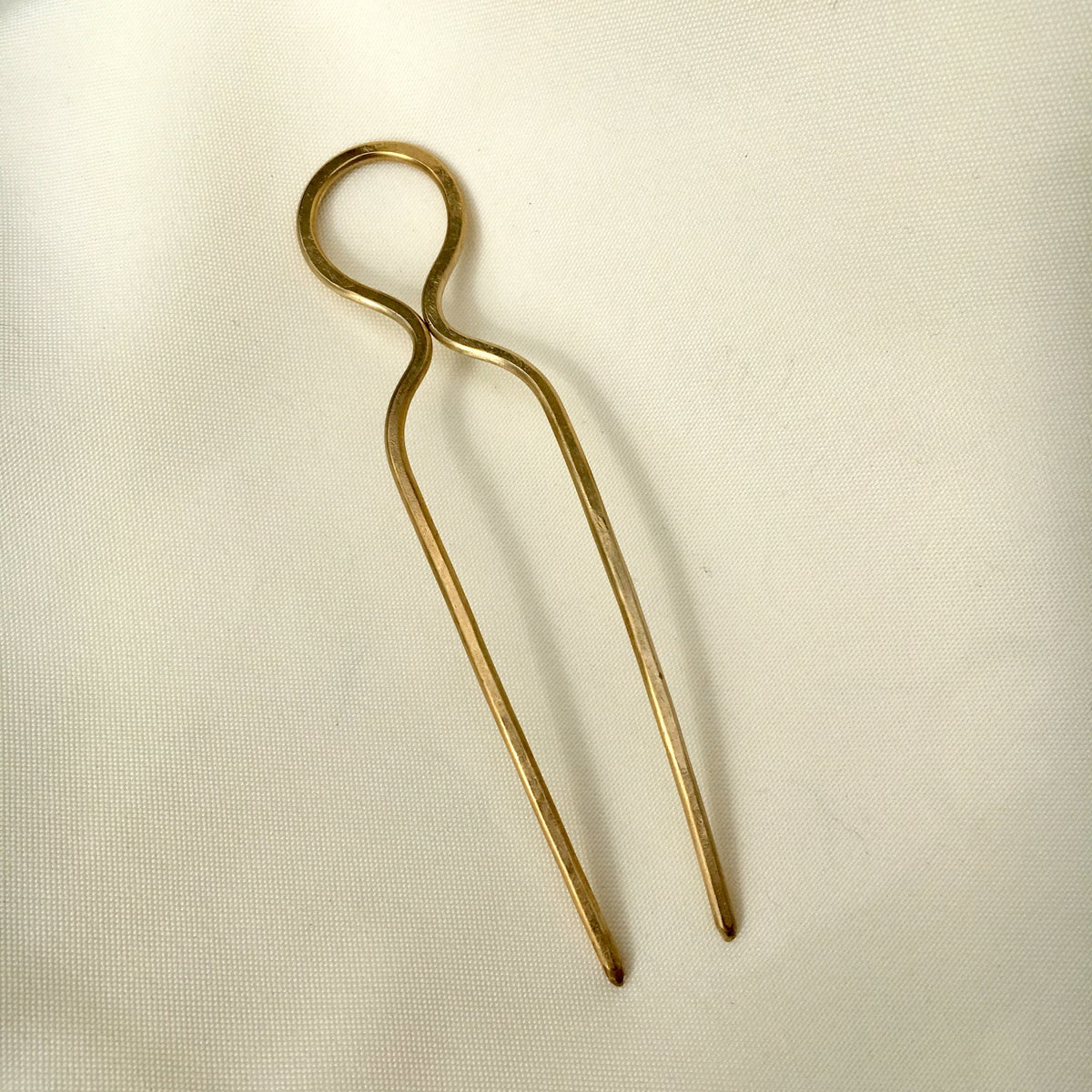 Image of loop hair pin
