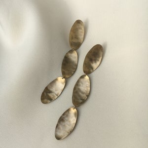 Image of dip earring