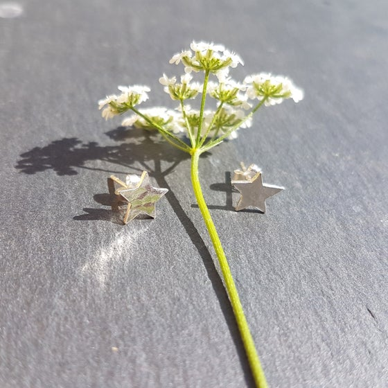 Image of Little Silver Hammered Star Earrings
