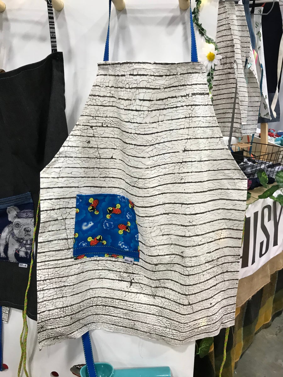 Image of Organic Cotton Buzzy Bee Apron