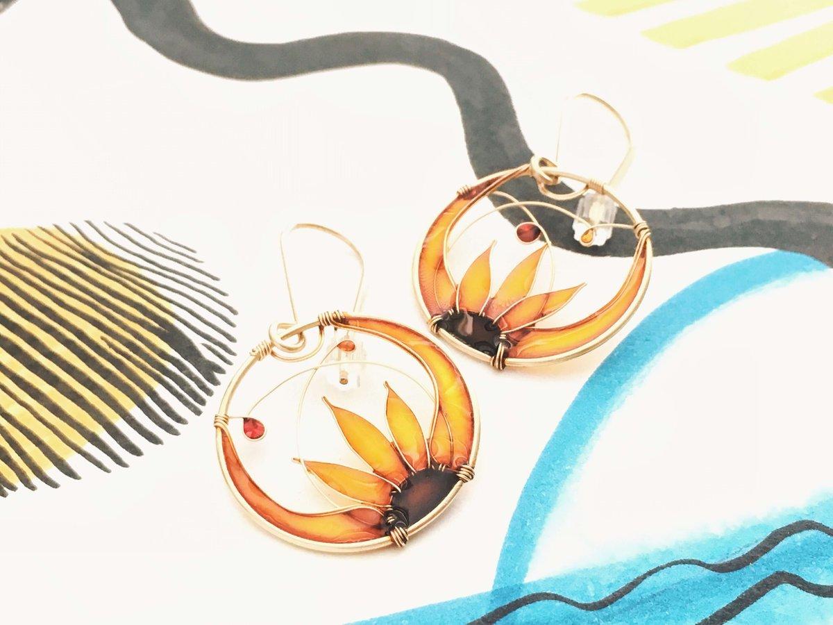 Image of 14K Gold Sunflowers Earrings