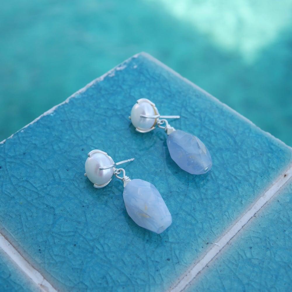 Image of Desi Earrings