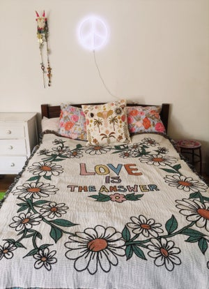 Image of Daisy Chain Love is the Answer Woven Blanket