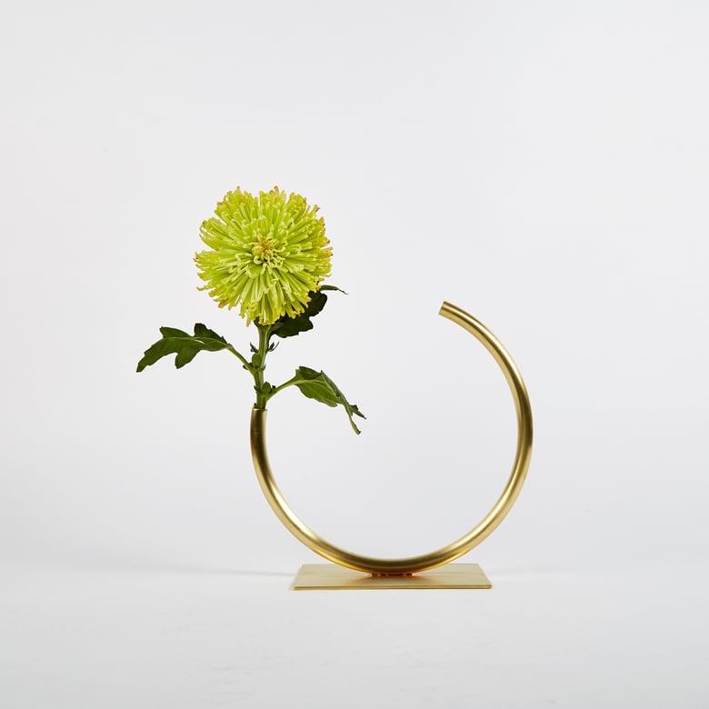 Image of Vase 1052 - Edging Over Vase