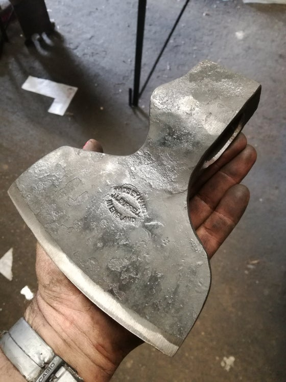 "Image of 1000g  6"" Broad axe"
