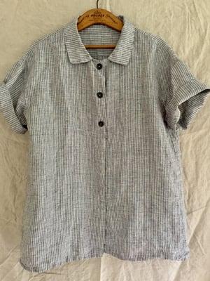 Image of short-sleeved linen work shirt