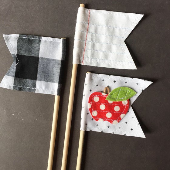 """Image of """"Back To School"""" Flags Set of 3"""