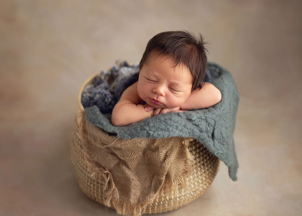 Image of Newborn Session | Deposit