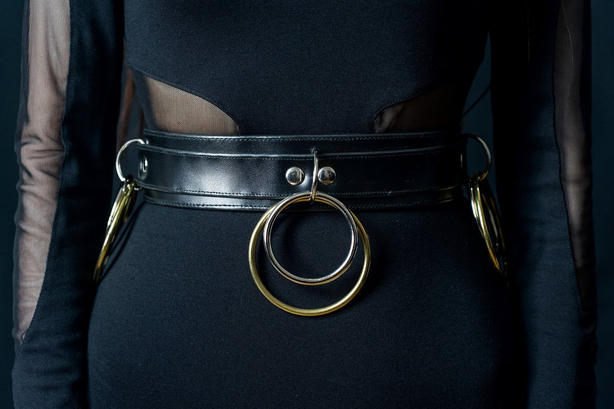 Bondage belt double ring gold and silver