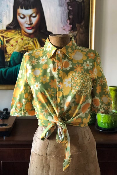Image of Sweetheart shirt in our Sunny side up print in Green