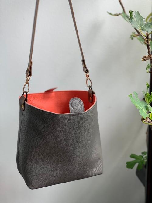 Image of Reversible Bucket