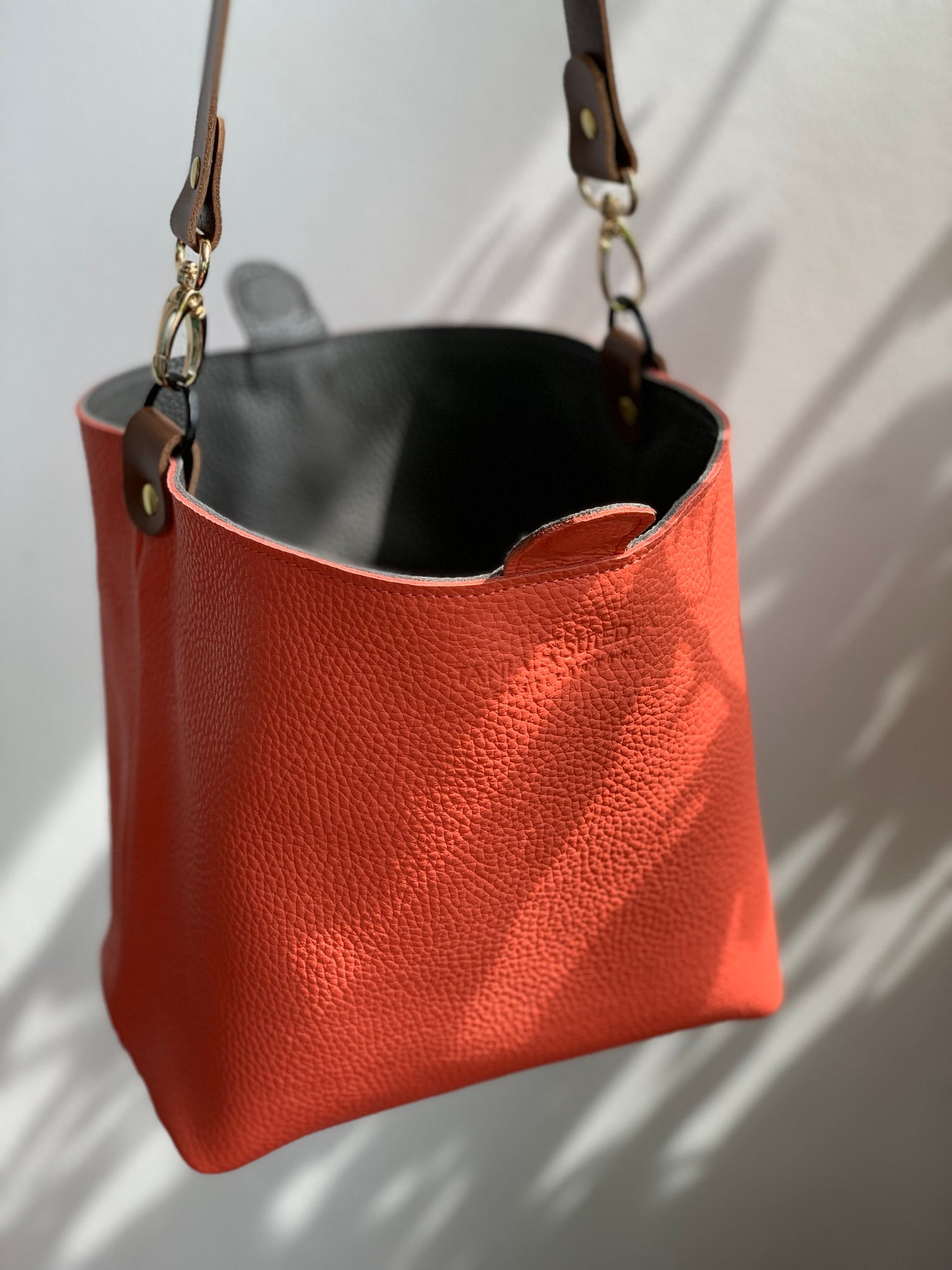 Image of Reversible Bucket