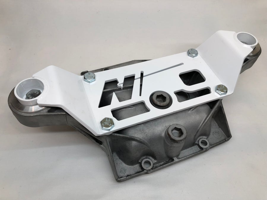 Image of E36 Differential Bracket w/ Diff inserts
