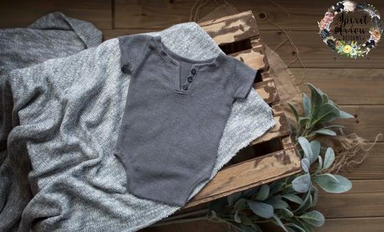 Image of {Aven} Newborn Gray Onesie