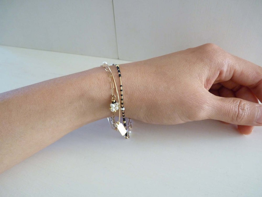 Image of Latch pearl bracelet