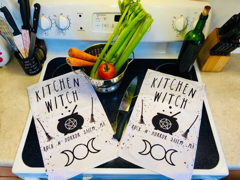 Image of Kitchen Witch Towel Set (2)
