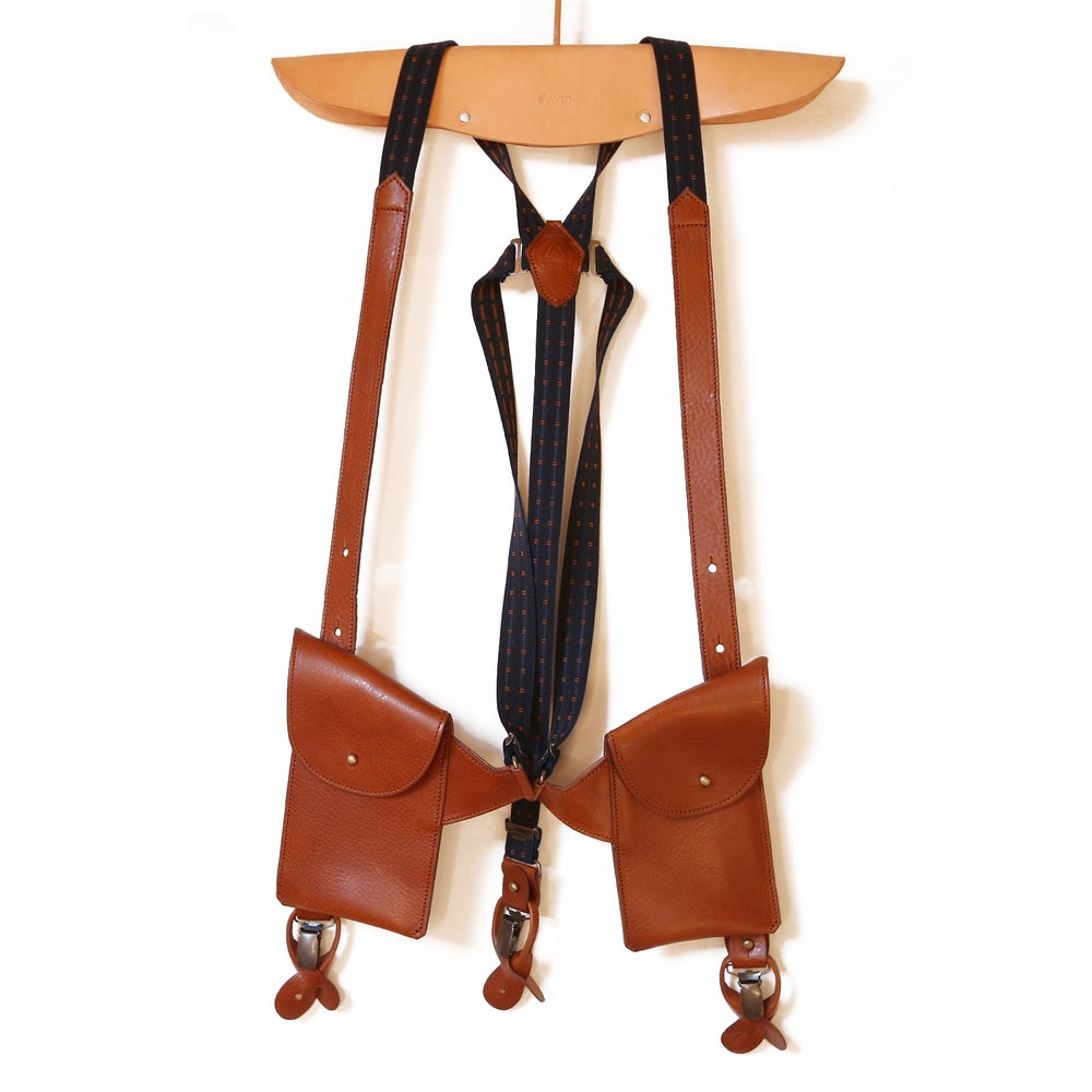 Image of leather SUSPENDER with pockets: cognac with blue and brown fabric