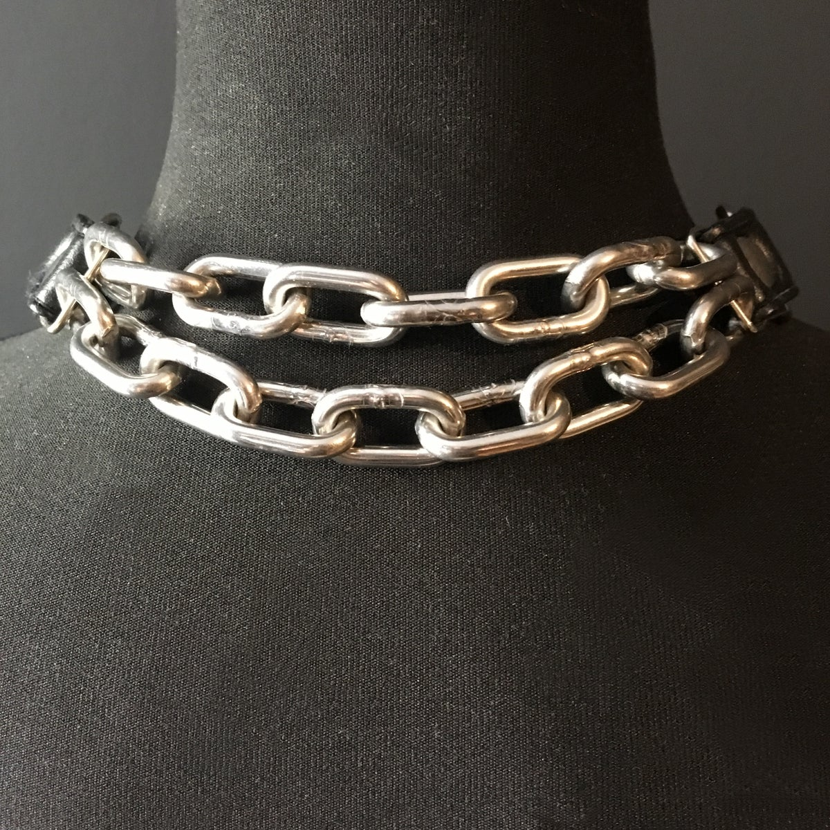 Posture necklace vegan leather and silver