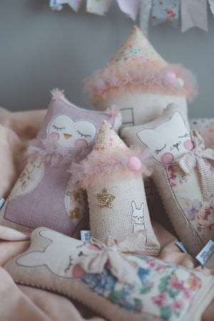 Image of Tiny Owl in dusty mauve linen and vintage floral