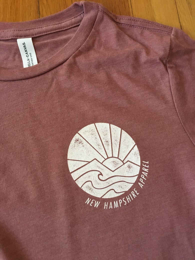 Image of Women's sunrise tee