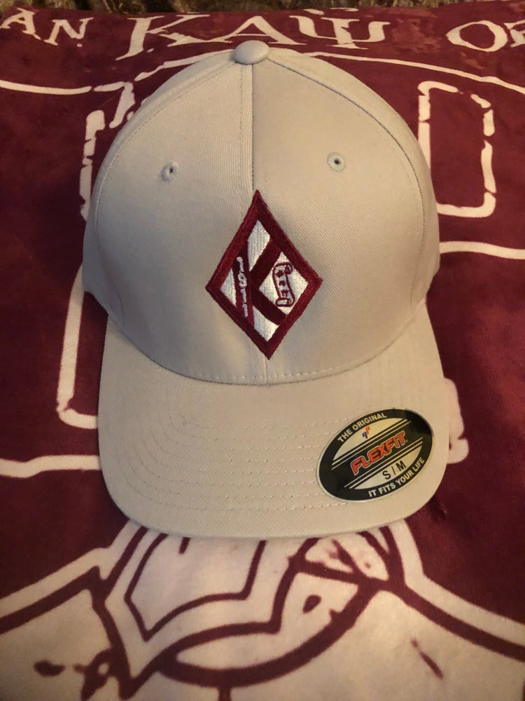 Image of Cream Diamond w/Scroll Flex-Fit Cap