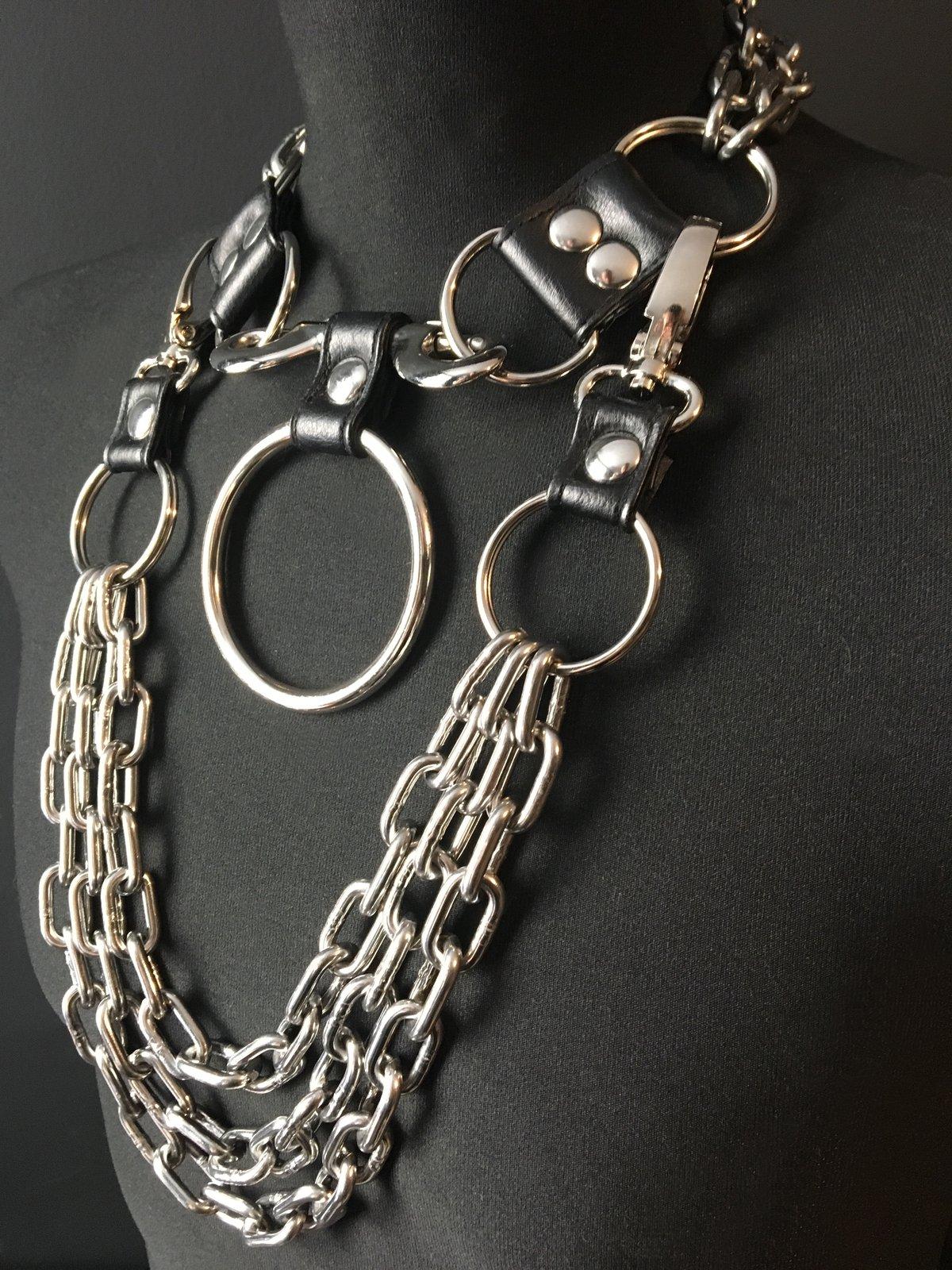 Gotte necklace