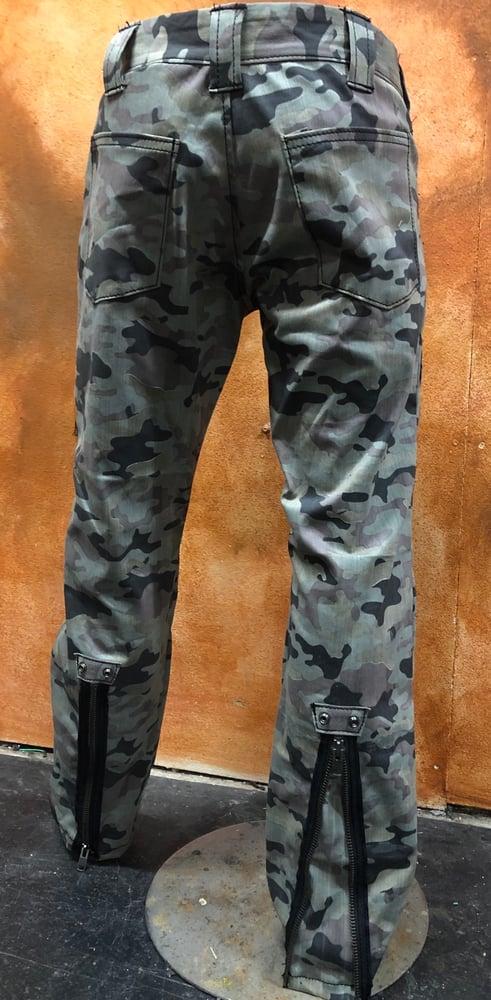Image of Camo  COD pants with Knee Pad
