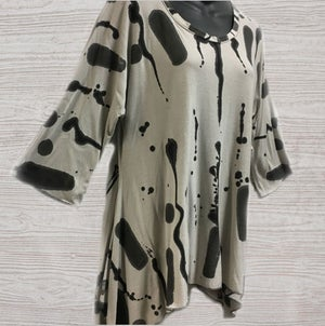 """Image of Joy Tunic - bamboo - """"Hopscotch"""" design - size M-XL"""